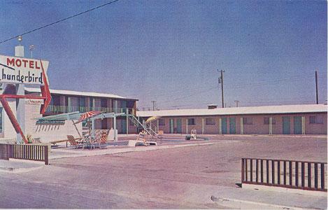 Marfa Texas on Thunderbird Motel  Marfa  Texas  The Big Bend S Motel Of Distinction